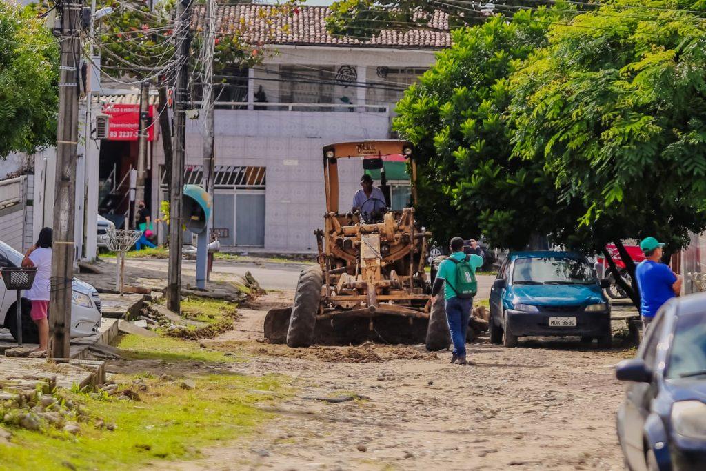 WhatsApp Image 2021 07 12 at 08.53.47 2 1024x683 - JOÃO PESSOA: Prefeito autoriza obras de pavimentação e drenagem em ruas do Valentina Figueiredo