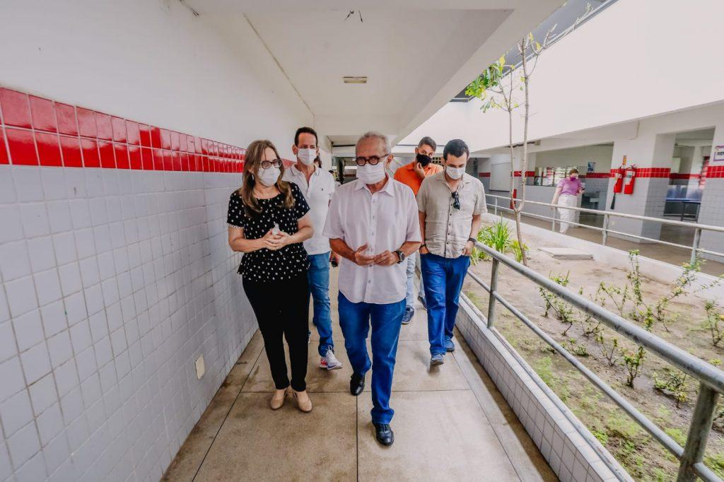 WhatsApp Image 2021 07 15 at 09.06.38 1 1024x682 - JOÃO PESSOA: Prefeito Cícero Lucena inicia entrega de 75 mil kits alimentares para estudantes da Rede Municipal de Ensino