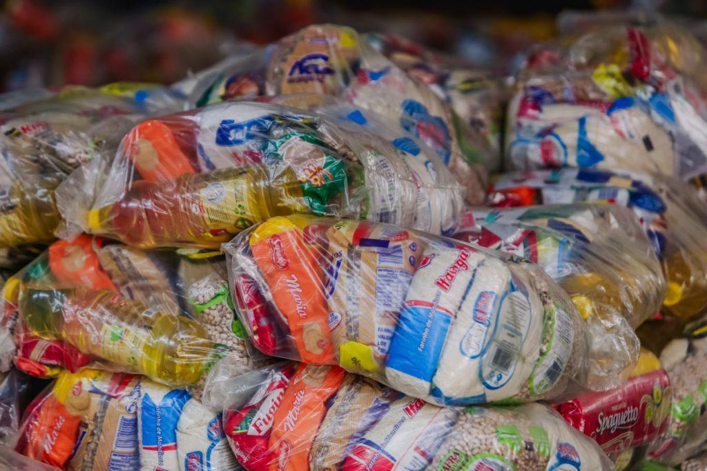 WhatsApp Image 2021 07 15 at 09.06.39 2 1 1024x683 - JOÃO PESSOA: Prefeito Cícero Lucena inicia entrega de 75 mil kits alimentares para estudantes da Rede Municipal de Ensino